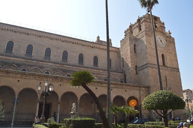 アラブ-ノルマン様式のパレルモおよびチェファルとモンレアーレの大聖堂の画像1