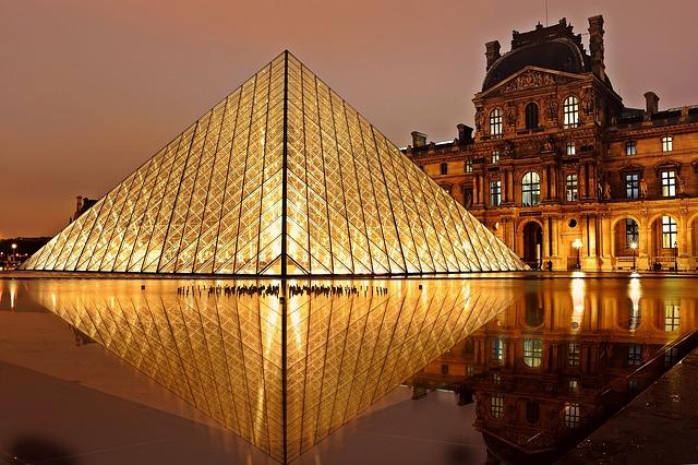 パリのセーヌ河岸の画像14