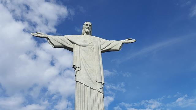 リオデジャネイロ:山と海の間のカリオカの景観