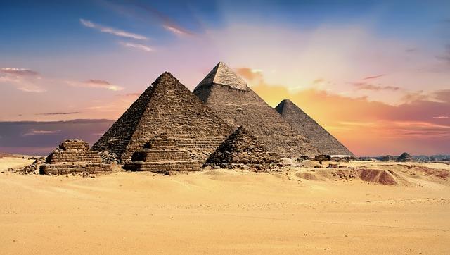 メンフィスとその墓地遺跡-ギーザからダハシュールまでのピラミッド地帯の画像1