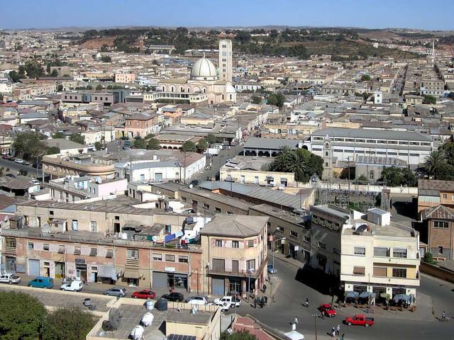 アスマラ : アフリカのモダニズム都市の画像1