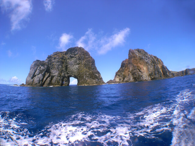 嫁島と周辺の岩礁等の画像1