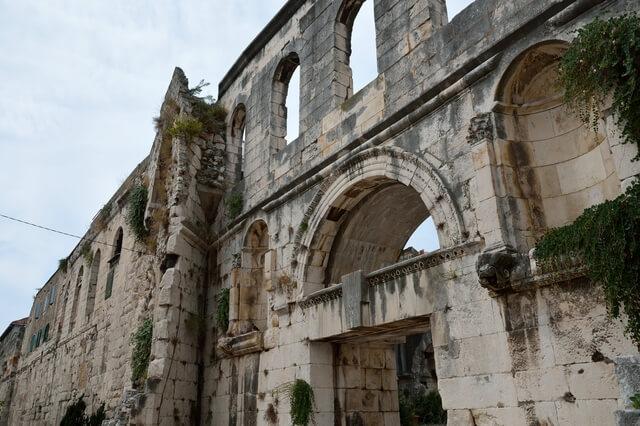 スプリットのディオクレティアヌス宮殿と歴史的建造物群の画像2