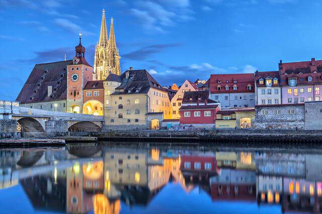 レーゲンスブルクの旧市街とシュタットアムホーフの画像1