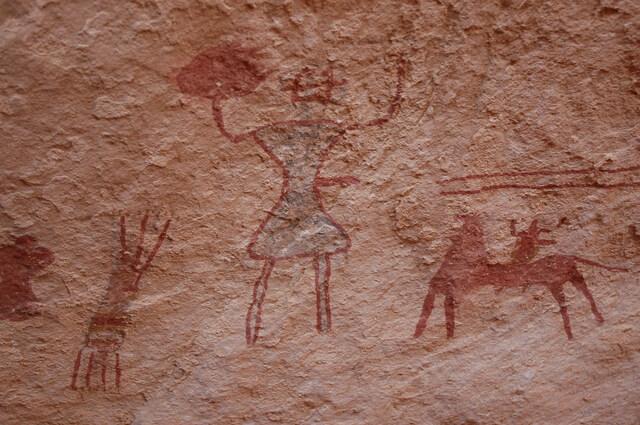 タドラルト・アカクスの岩絵遺跡群の画像1