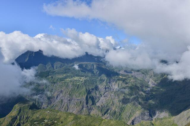 レユニオン島:峻峰と圏谷、その...