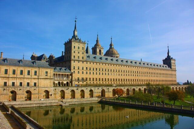 マドリードのエル・エスコリアル修道院とその遺跡の画像3