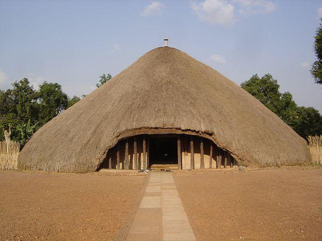 カスビのブガンダ王国歴代国王の墓の画像1