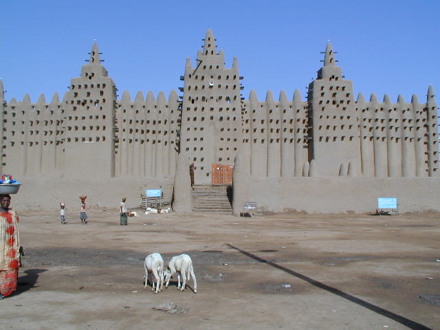 https://upload.si-p.net/img/1507092991_Great_Mosque_of_Djenné_3.jpg
