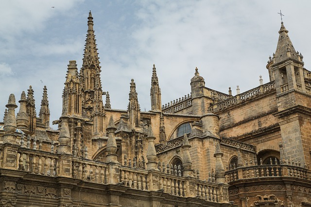https://upload.si-p.net/img/1507434653_sevilla_cathedral.jpg