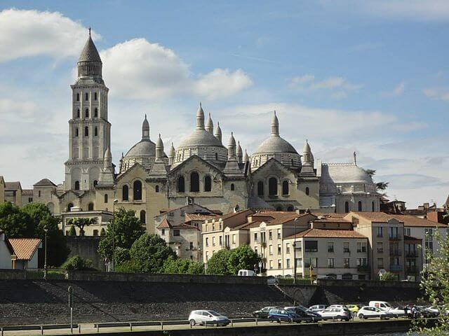 https://upload.si-p.net/img/1524072527_Cathedrale_Saint-Front_a_Perigueux.jpg