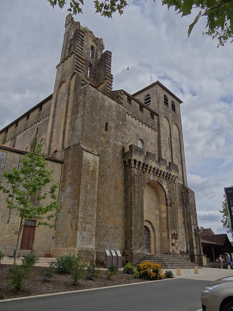 https://upload.si-p.net/img/1524072914_Eglise_Saint-Avit.jpg