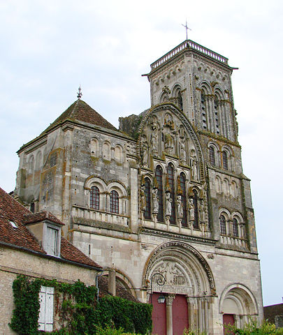 https://upload.si-p.net/img/1524075601_Vezelay_Basilique_Façade.jpg