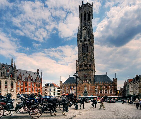 https://upload.si-p.net/img/1526727889_Bruges_Market_Square_and_Belfry.jpg