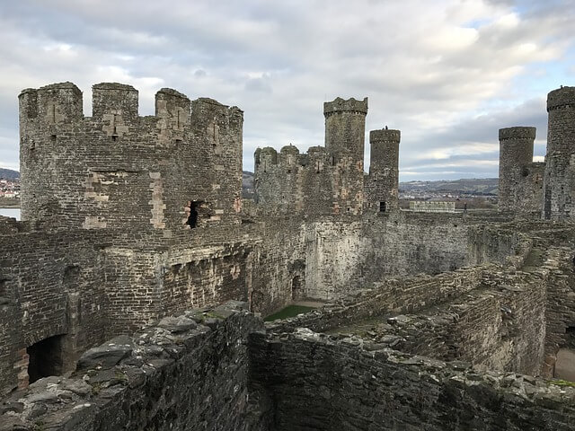 https://upload.si-p.net/img/1539784589_castle-Conwy.jpg