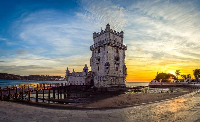 リスボンのジェロニモス修道院とベレンの塔の画像1